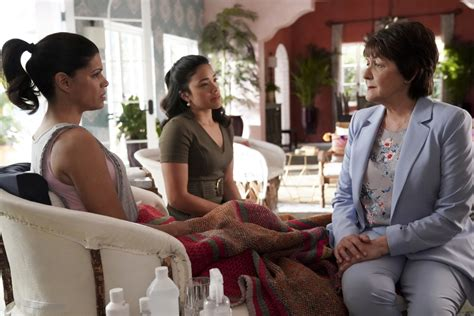 Jane the Virgin: No Season Six; CW Series to End with