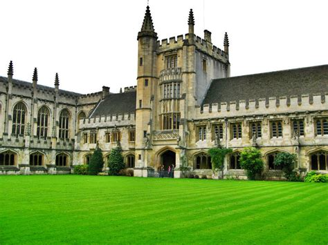 Meet The 6-Year-Old Who Attends Oxford University, Wants